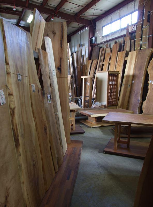 木の店さんもく一枚板展示場