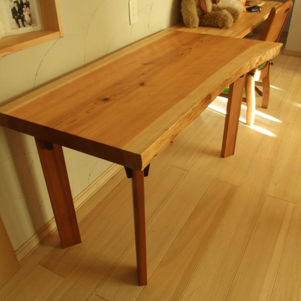 製作依頼 杉一枚板でダイニングテーブルをつくる