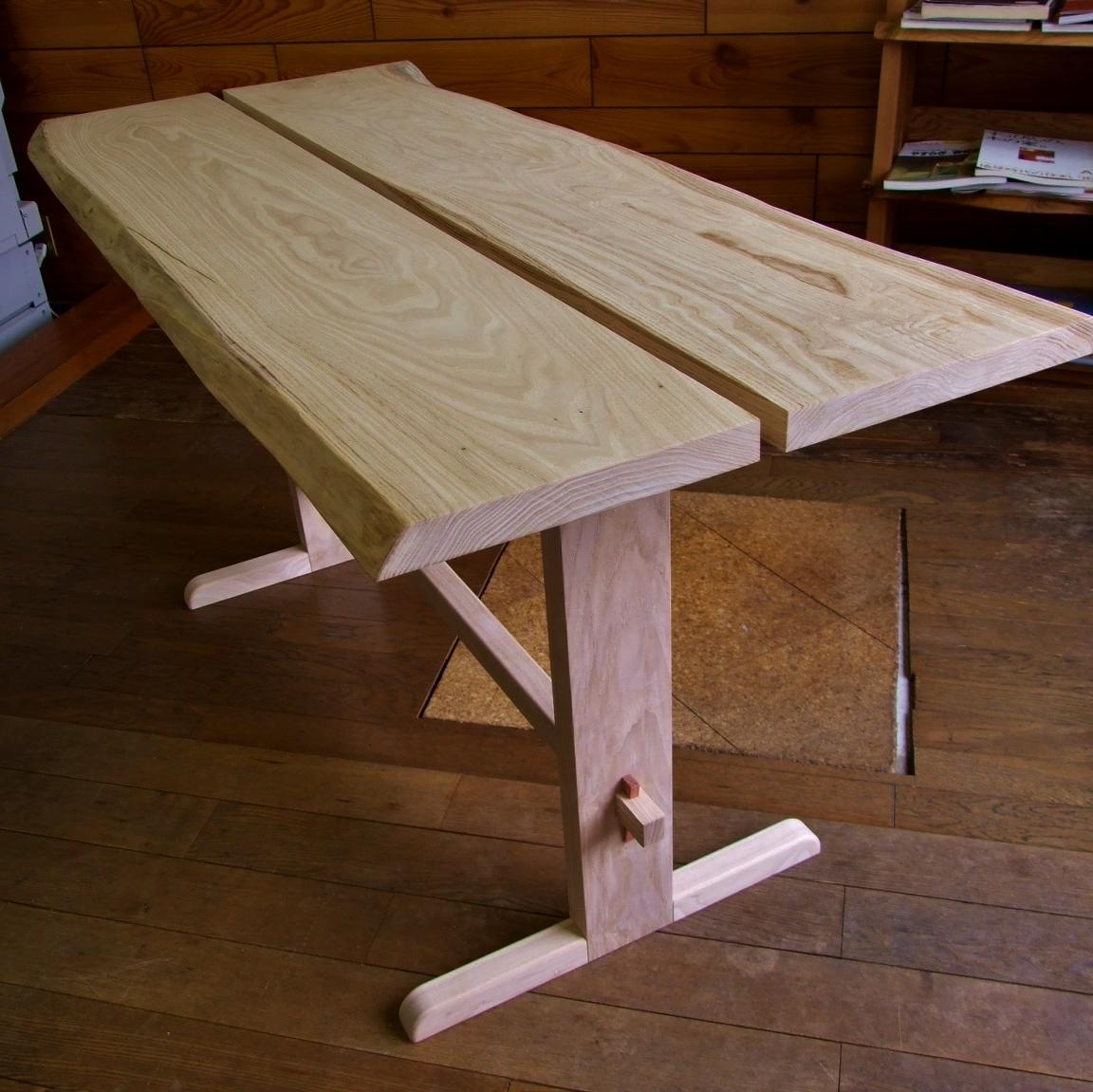 クリテーブル