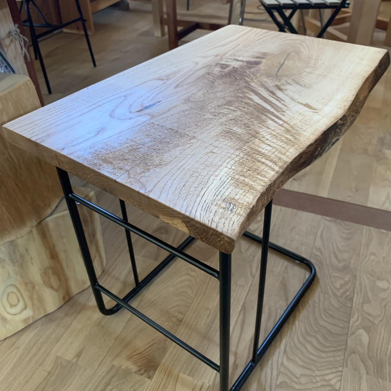 なら一枚板でサイドテーブル