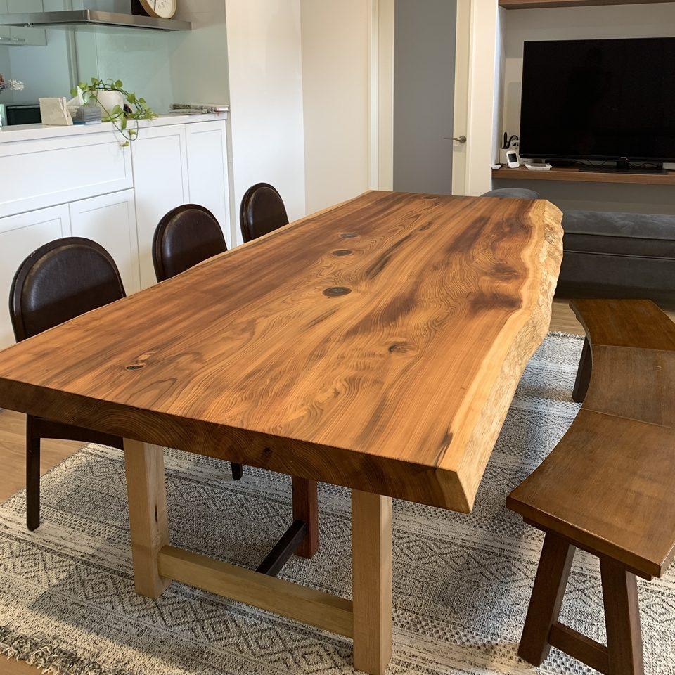 ビッグサイズなテーブルを納品