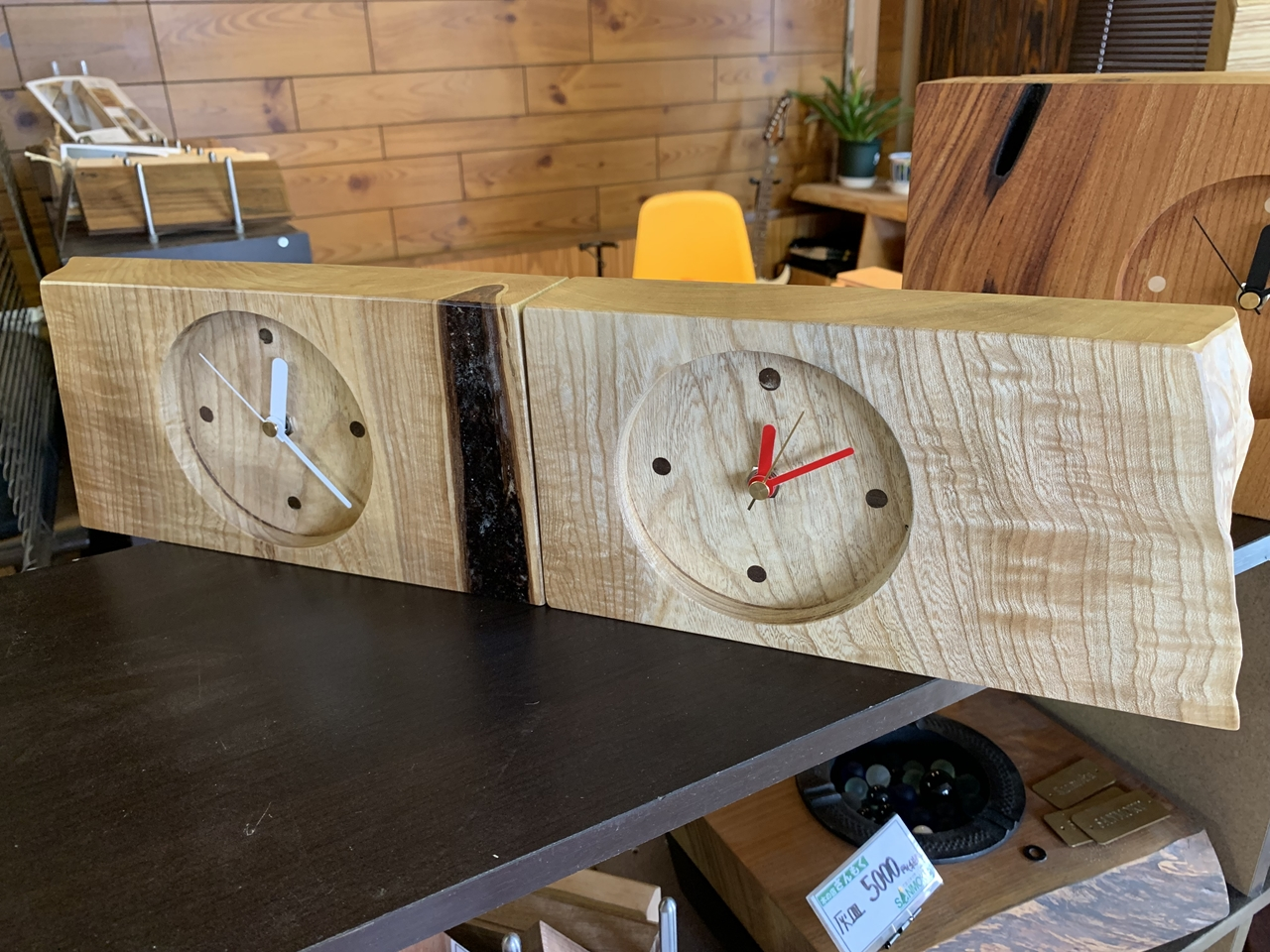 端材で時計